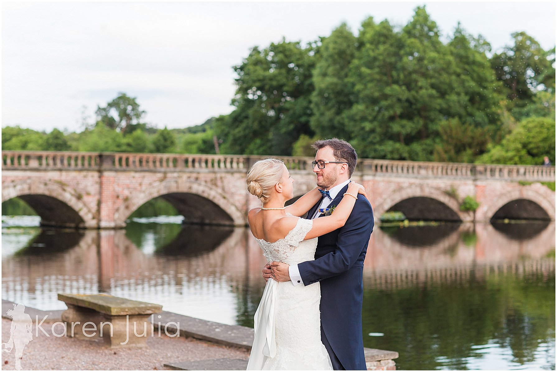 bride & groom capesthorne hall bridge
