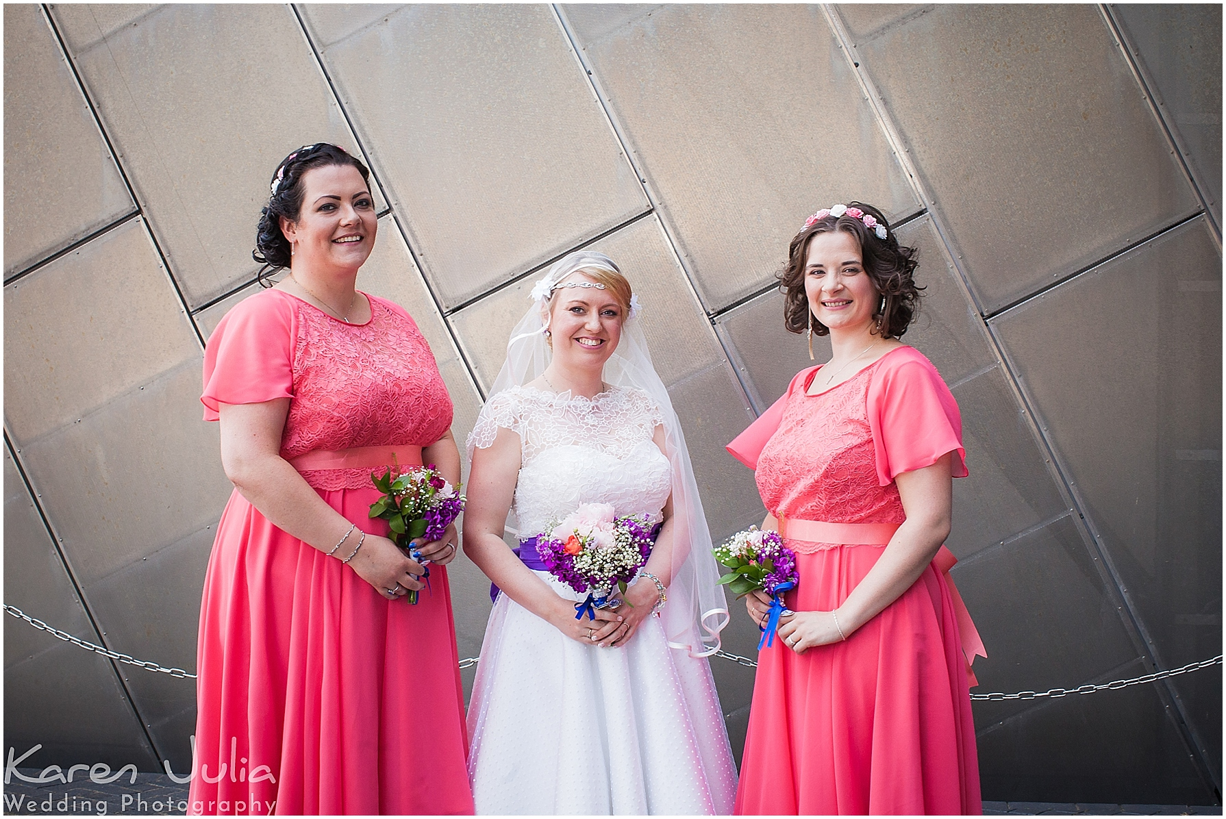 wedding group photos outside lowry theatre