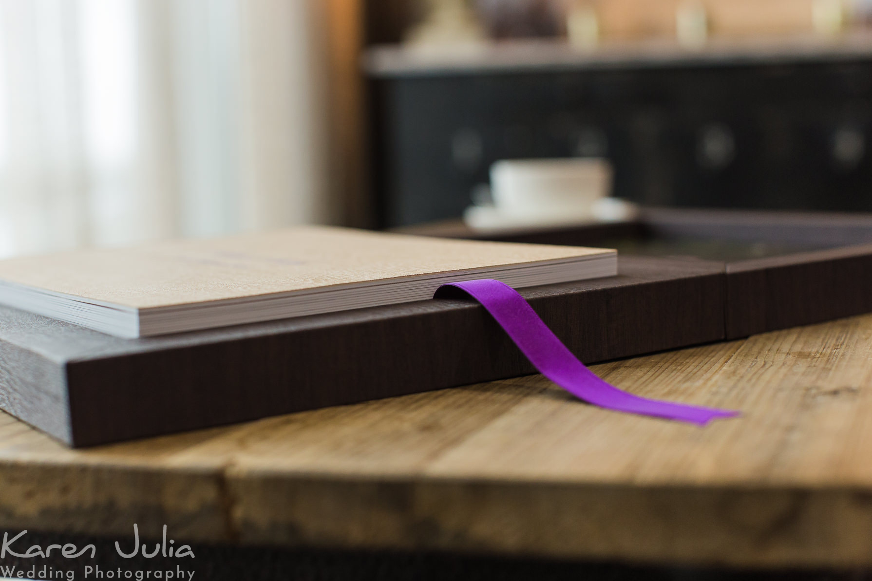 Graphi Studio Young Book Maple (AC937) with purple ribbon
